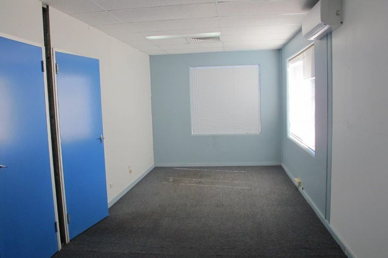 First Floor Office Space... Outgoings Included in Rent!