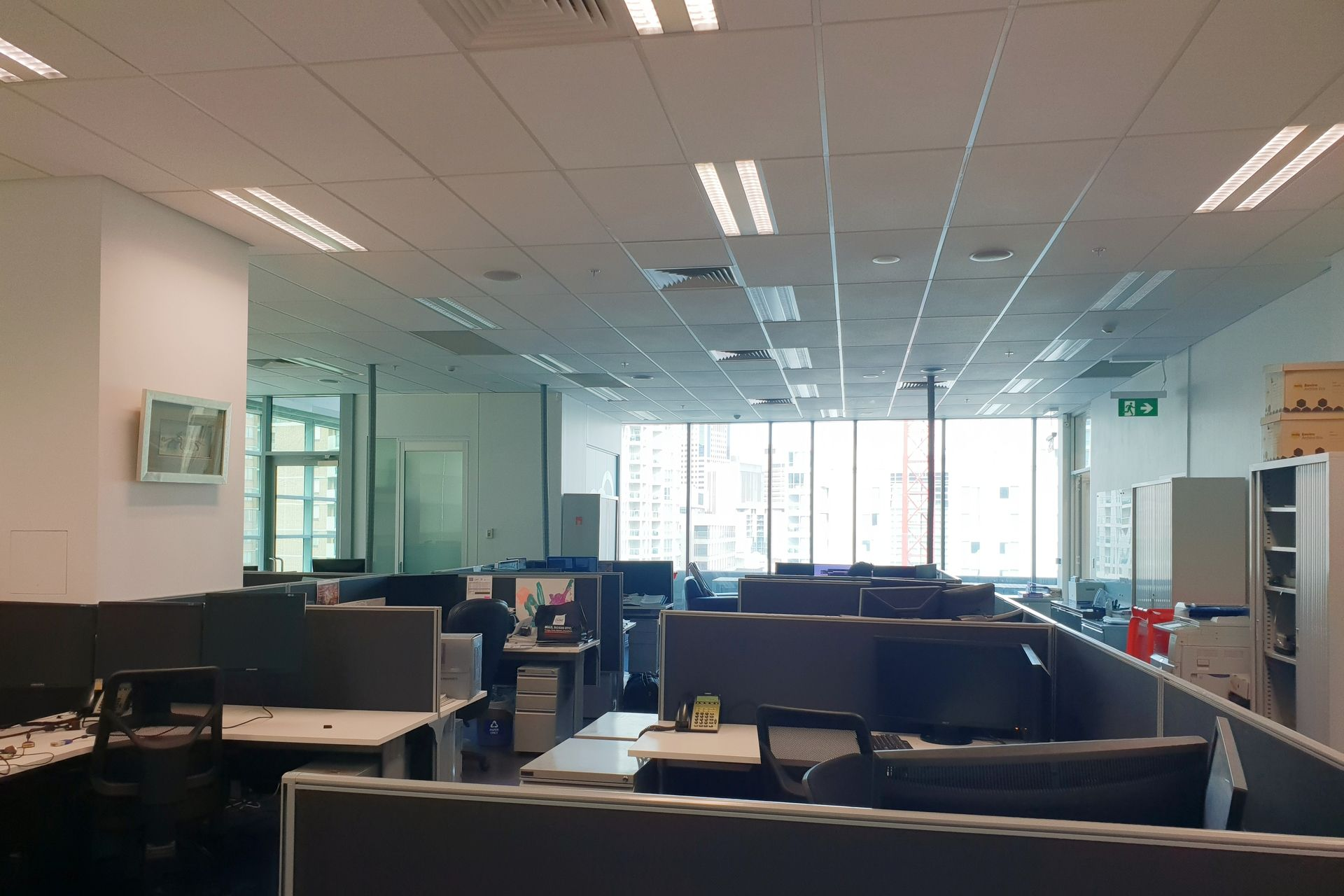 WHOLE FLOOR OFFICE IN NEW BUILDING - NEXT TO TOWN HALL