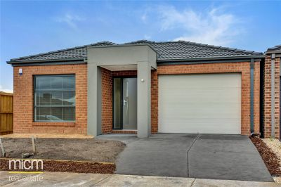 FIRST CLASS TENANT WANTED! Brand New Three Bedroom Home!
