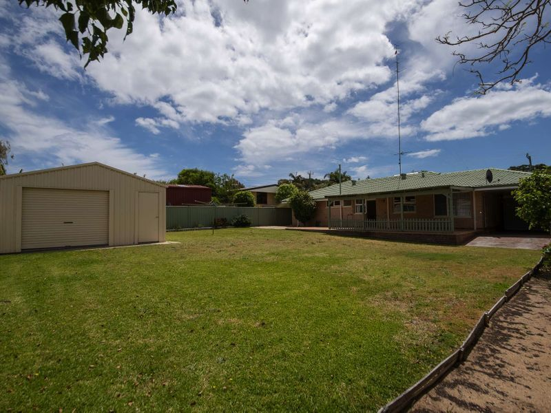 CLASSIC FAMILY HOME IN SOUTH BUNBURY