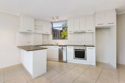 Bright And Spacious One Bedroom Apartment In A Fantastic Location