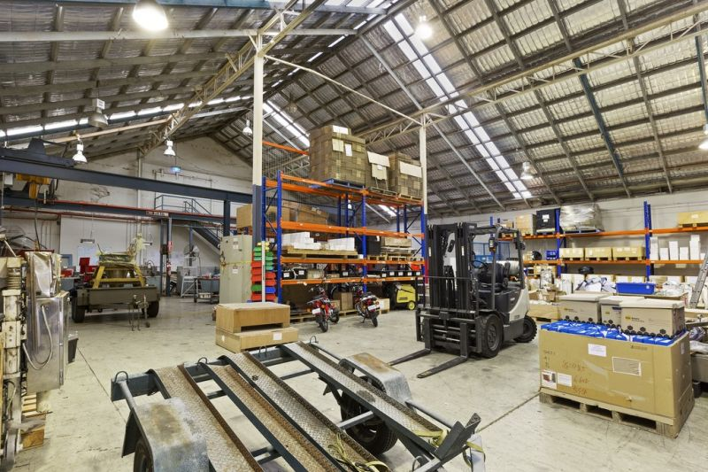 Large Ideally Located Warehouse