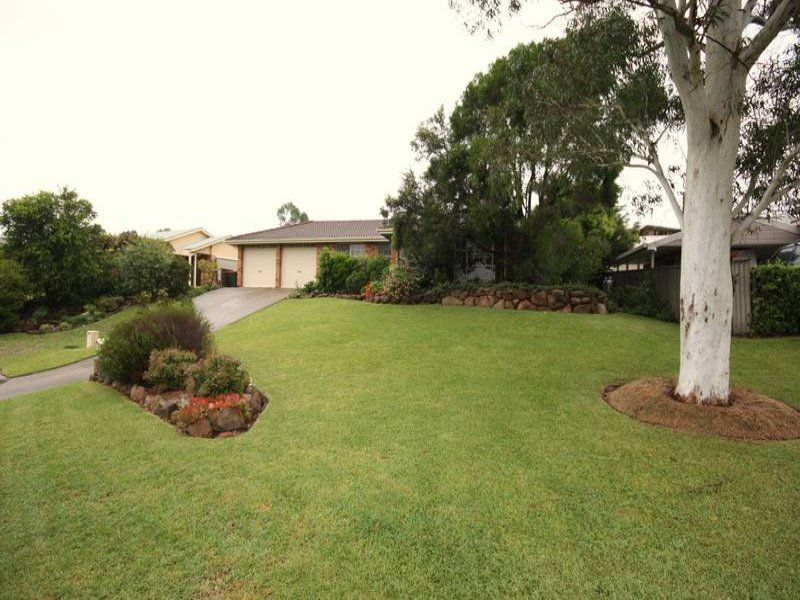 14 Heather Place, Singleton