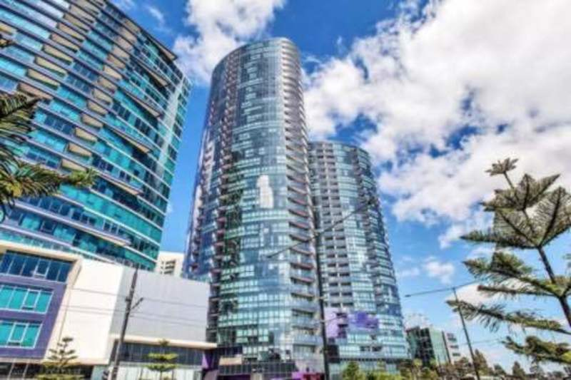 Fantastic Two-Bed Semi-Furnished Apartment in the Heart of Docklands