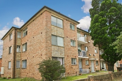 Two Bedroom Unit with Parking and Internal Laundry