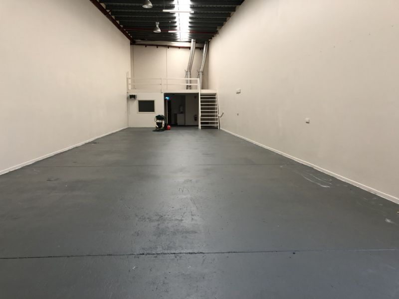 220m2* Warehouse And Office Unit