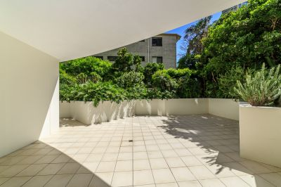 Budds Beach Lifestyle Apartment with Huge Private Terrace