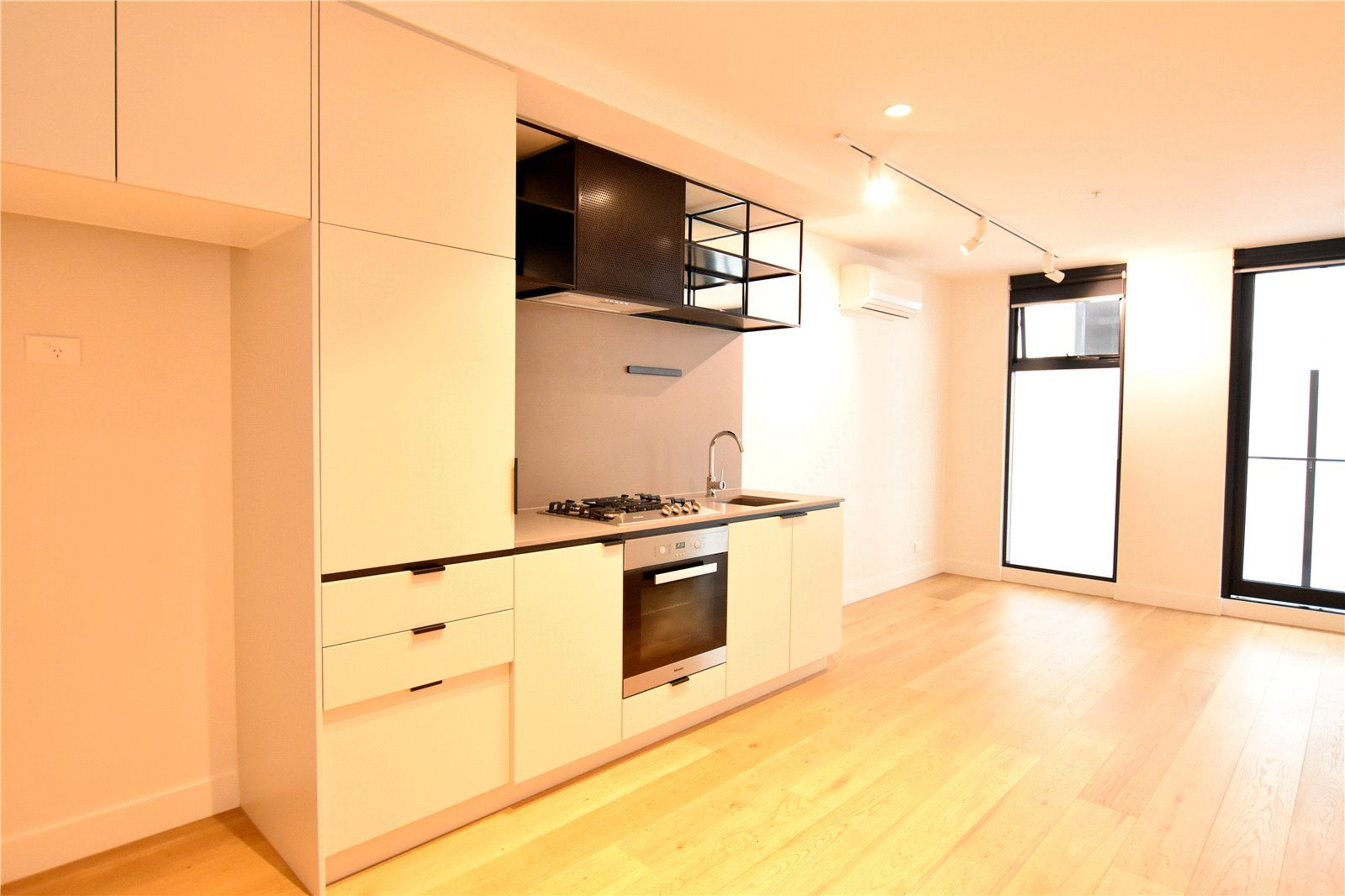 Elegantly Designed One Bedroom Apartment with Car Space!