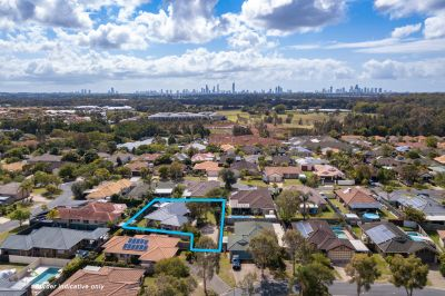 Massive 724m2 block with room for a pool, cars, truck, camper van and potential dual living!!
