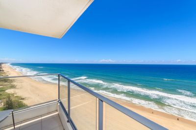 Absolute Beachfront Half-Floor 3bed