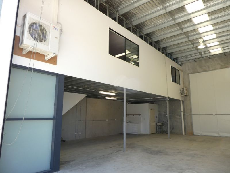 207m2* Warehouse And Office Unit
