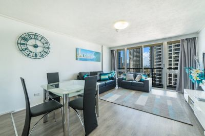 Top Floor, Beach Unit, Heart of Surfers Paradise