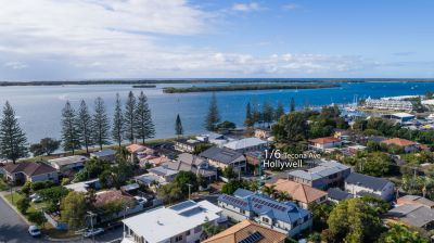 So Close to the Broadwater 4 Bedroom Townhouse in Quiet Desired Position