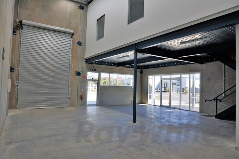 178sqm* BRAND NEW AFFORDABLE WORK STORE / WAREHOUSE / MAN CAVE