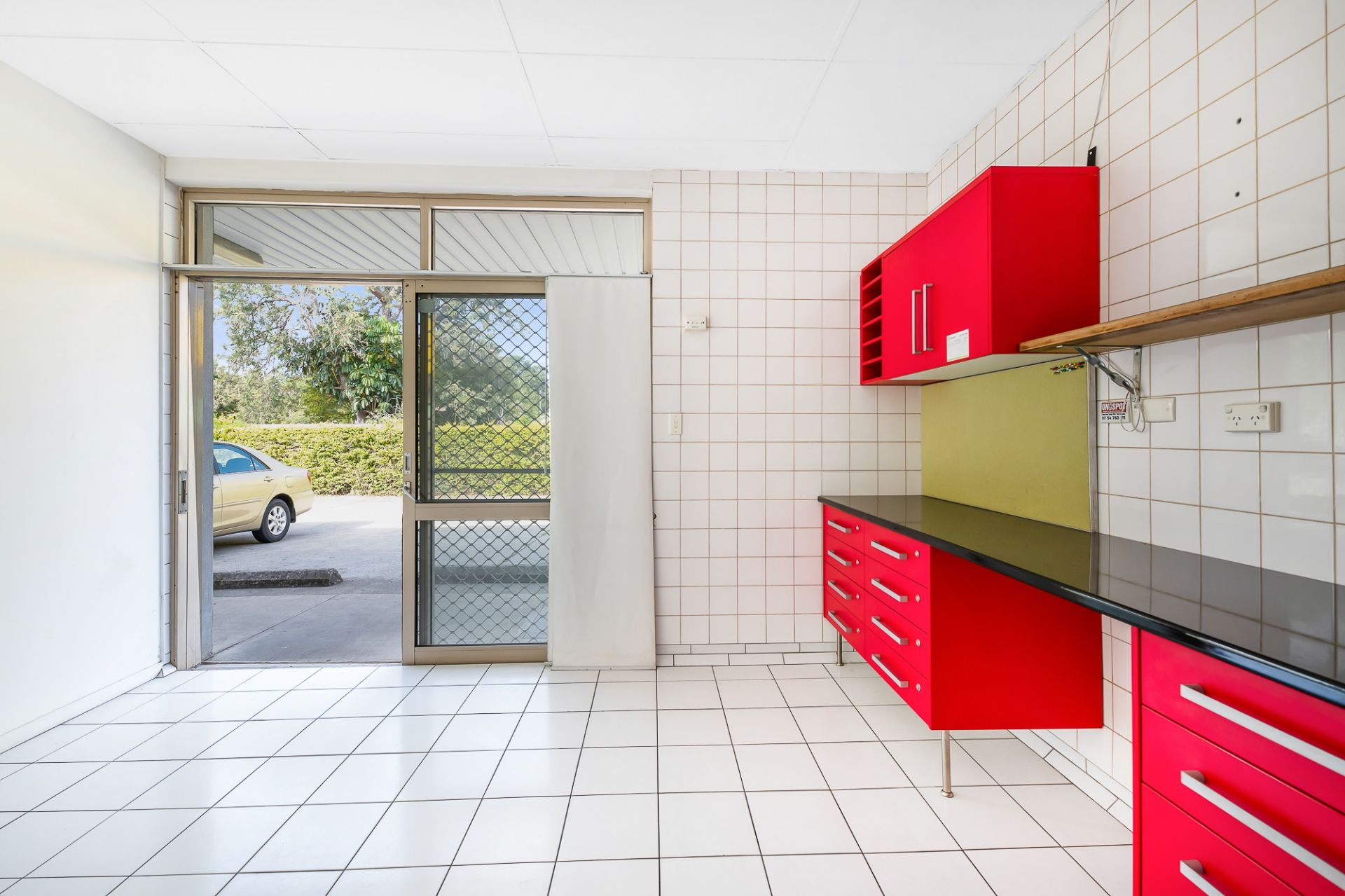 Prominent Location, Commercial Kitchen/Retail Opportunity Nambour