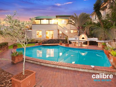 Great Family Home - Dual Living - Pool