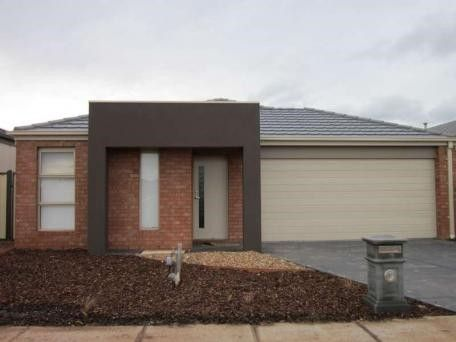 FIRST CLASS TENANT WANTED! Fantastic Family Home!