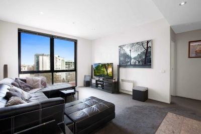 Stunning SEMI-FURNISHED Apartment In A Prime Location!