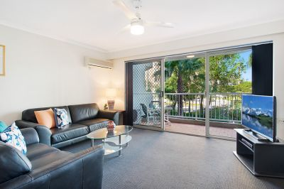 FULLY RENOVATED  CENTRAL BROADBEACH