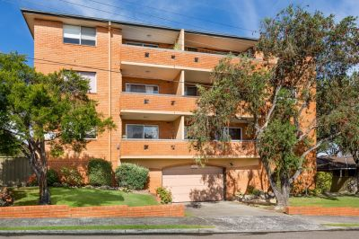 Spacious 2 bedroom apartment. An Opportunity Not To Be Missed!