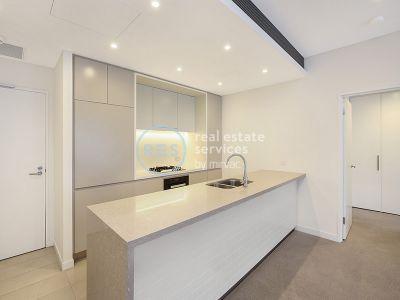 Light-Filled 2 Bedroom Apartment in Harold Park