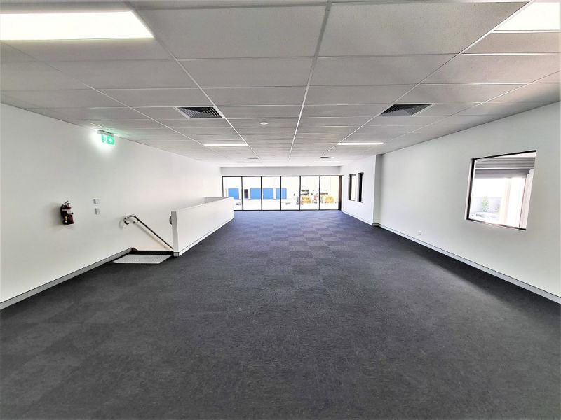 SOUTHLINK Business Park - HIGH END OFFICE/ WAREHOUSE