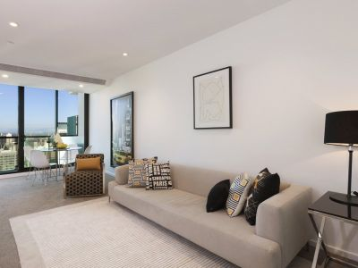 Brilliantly Positioned 36th Floor Apartment with Large Living Spaces!