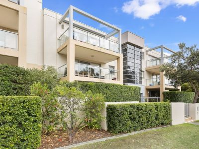 This lovely top floor North/East facing unit ticks all the right boxes.