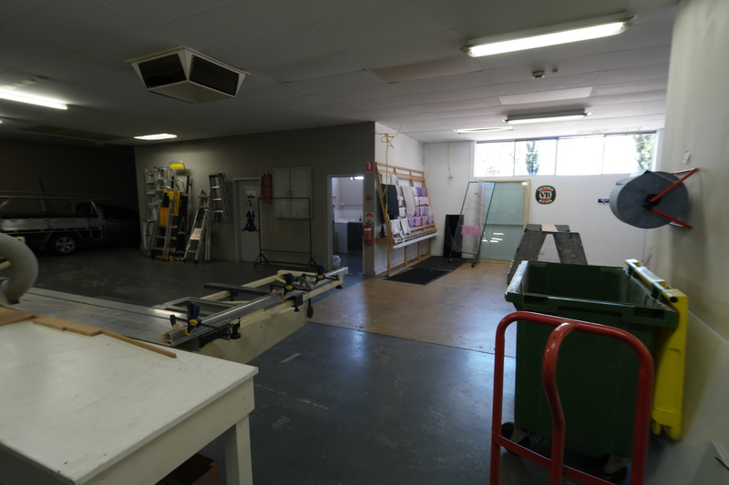 Office/Showroom/Warehouse – Stand Alone