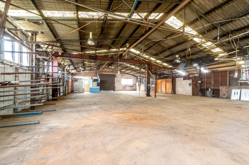 Large Warehouse in Prominent Eastern Suburbs Location