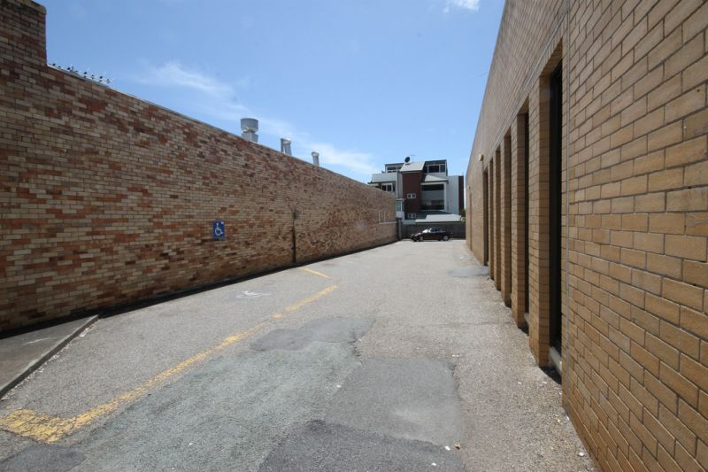 Key Location With Great Parking