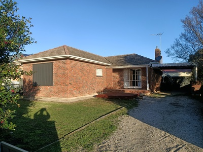 3 BEDROOM HOME WITH A SPACIOUS BACK YARD
