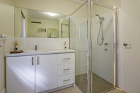 16 Huron Estate - Newly renovated one bedroom villa. Perfect location and private courtyard and garden.