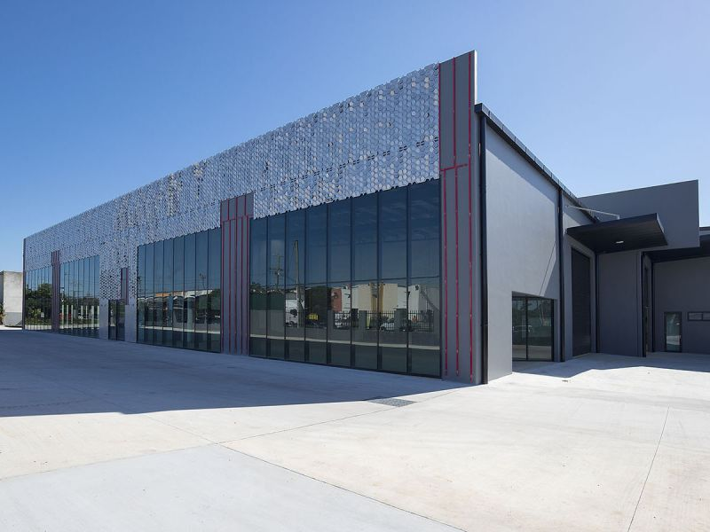 WAREHOUSE / OFFICE - 768M2*