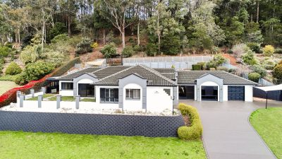 EXCEPTIONAL VIEWS - URGENT SALE REQUIRED!