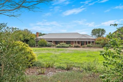 Bellbrae/Freshwater Creek Region    Baroka Park - Perfect hobby farm lifestyle