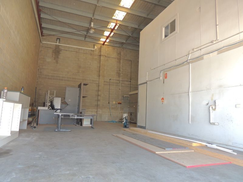 WAREHOUSE FOR LEASE - UNITS 3 & 4