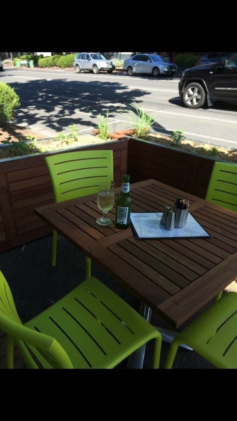 Business For Sale: Cafe, Restaurant Fully Licensed 14k pw takings. Priced to sell.