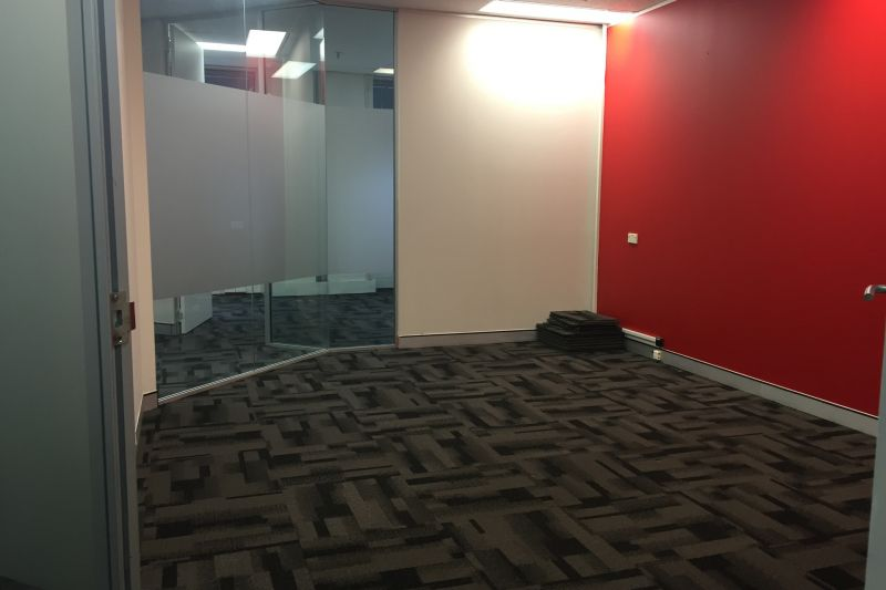 OFFICE FOR LEASE AT 370 PITT ST