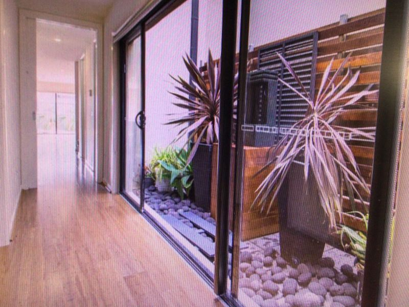 For Sale By Owner: 33A Mount View Road, Highett, VIC 3190