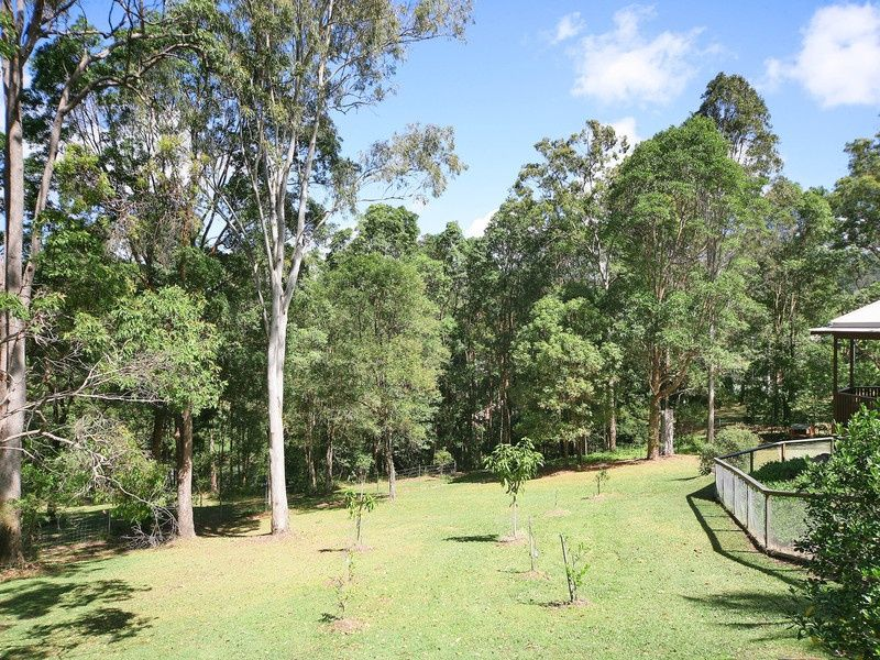 8 Valley Drive, Doonan QLD 4562
