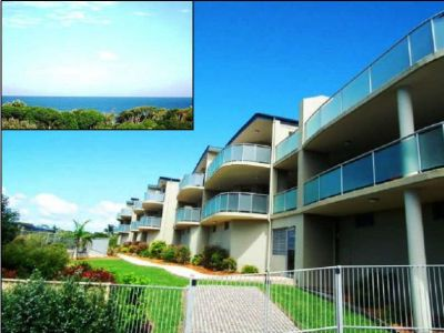 Superbly Located with Magnificent Ocean Views Luxuriously Appointed Boutique Style Unit-