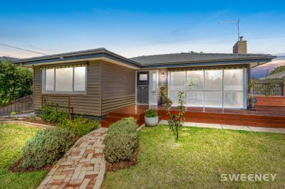 Charming, Comforting Weatherboard Home Full of Character!