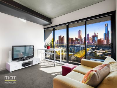 Designer Finishes with Sweeping North-Facing City View