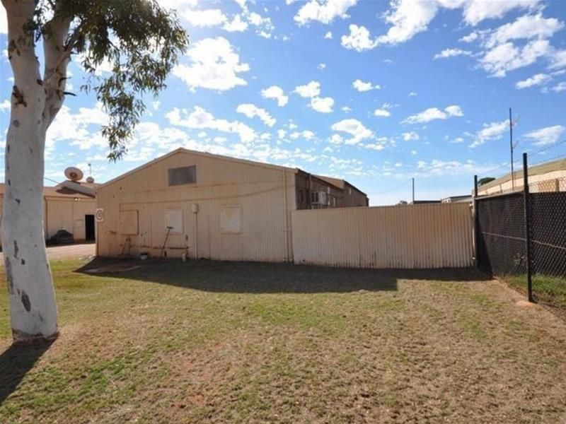RENTAL REDUCTION! 2000SQM OF LAND, LARGE SHED & QUICK ACCESS TO BYPASS ROAD