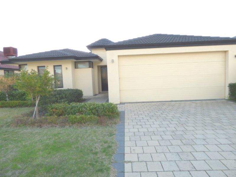 GREAT FAMILY HOME GREAT LOCATION!