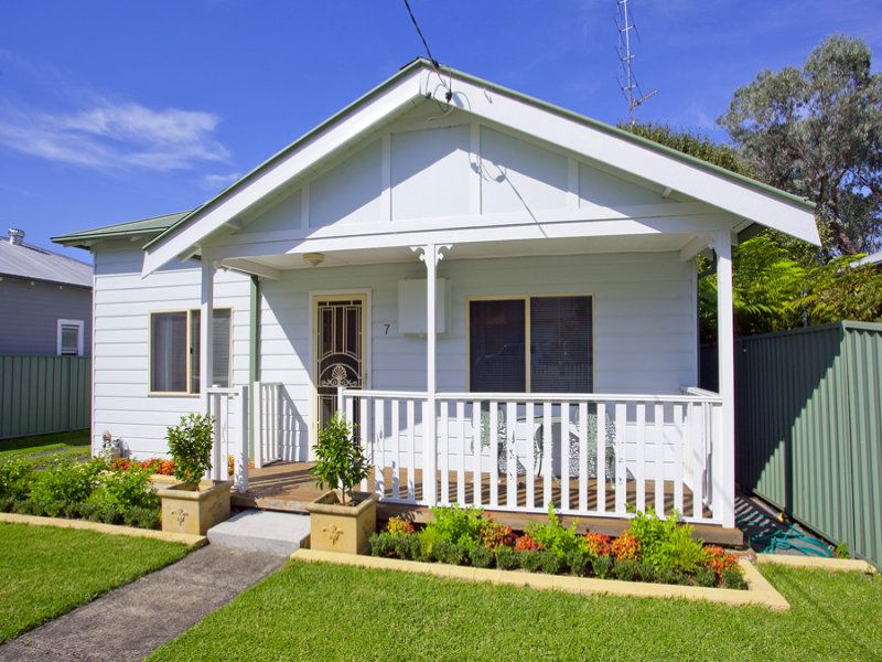 7 John Street, Woonona NSW
