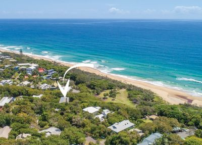 Beach House in Private Bushland Setting
