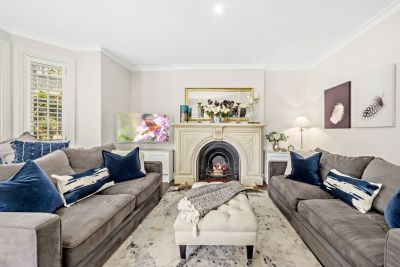 Spacious Garden Apartment With House-Size Designer Interiors & Private Entry To Sunny North-Facing Garden