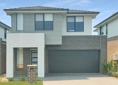 Low maintenance family home vacant and ready to move in!